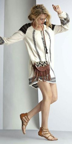 25 Stylish Boho Dress To Look Out For, as featured on shop with us Today! We ❤️ boho hippie gypsy style :: outfit ideas :: fashion trend :: embroidery clothing :: street style Look Hippie Chic, Look Chic, Gypsy Style, Bohemian Style, Bohemian Summer, Boho Gypsy, Moda Fashion, Womens Fashion, Fashion Trends