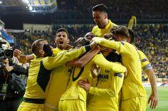 @Villarreal Delirio del #SubmarinoAmarillo que marcó en el descuento del encuentro un gol que le da ventaja de cara al partido de vuelta en Anfield #9ine