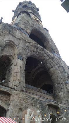 Der alte Glockenturm der Gedächtniskirche