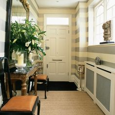 96_000010cfd_70d5_orh550w550_Striped-hallway--modern--25-Beautiful-Homes
