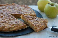 la torta di mele vegana, senza uova e latte, gustosissima e più leggera rispetto la torta classica di mele, perfetta per una sana prima colazione.