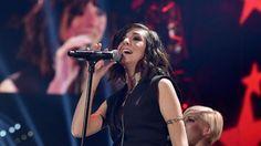 La chanteuse américaine Christina Grimmie, ancienne participante à l'émission « The Voice », a été tuée par un homme qui lui a tiré dessus vendredi soir