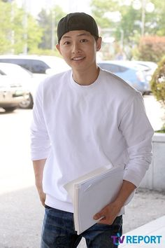 Song Joong Ki at the first script reading for Descendants of the Sun