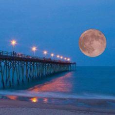 Fantastic super moon @ Kure Beach NC--our vacay spot this coming summer Beautiful Moon, Beautiful World, Beautiful Places, Great Places, Places To Go, Kure Beach Nc, Nc Beaches, North Carolina Homes, Carolina Beach