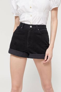 The perfect pair of black high waisted Mom Shorts in a fun corduroy. Grunge Style, Soft Grunge, Outfit Essentials, Tokyo Street Fashion, Crop Top And High Waisted Shorts, Doc Martens, Grunge Outfits, Urban Outfitters, Teen Fashion