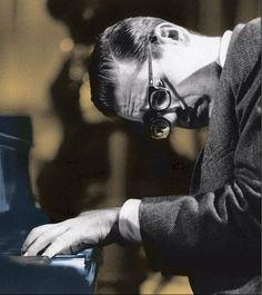 """themaninthegreenshirt: """"Jazz is not a what, it's a how."""" - Bill Evans"""