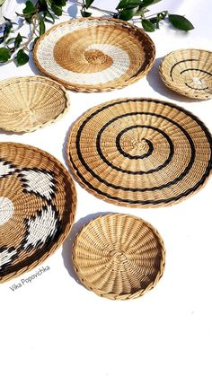 Set of 6 wall plates African basket Wicker basket Boho wall art Woven wall basket round Wall basket tray Home decor set of 6 baskets - cultural boutique Craft Stick Crafts, Diy Crafts, Decor Crafts, Deco Zen, Basket Tray, Picnic Baskets, Home Decor Sets, Basket Decoration, Baskets On Wall