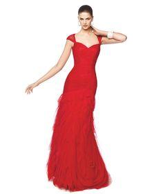 Vestido de fiesta rojo con drapeados y falda de tul con volantes Modelo Nika - Pronovias 2015