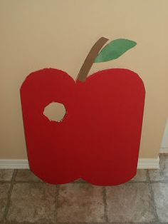 I already have an apple and worm!!! must do this! thanks crazy chorister blog