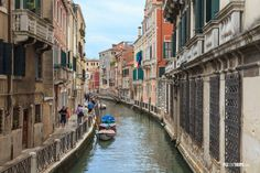 Canal-and-street-of-Venice-1200x800.jpg (1200×800)