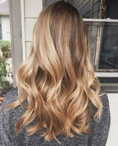 Ombre v Balayage: What is the difference? Are Balayage and highlights the same thing? Find here plus the most stunning balayage looks. Hair Day, New Hair, Hair Color And Cut, Golden Hair Color, Pretty Hairstyles, Hairstyle Ideas, Wavy Hairstyles, Latest Hairstyles, Straight Hairstyles