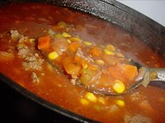 Bev's Homemade Vegetable Soup (with ground beef and real veggies instead of whatever processed crap is in veg-all Homemade Vegetable Soups, Vegetable Soup Recipes, Veggie Soup, Homemade Soup, Herb Recipes, Beef Soup Recipes, Crockpot Recipes, Dinner Recipes, Soup With Ground Beef