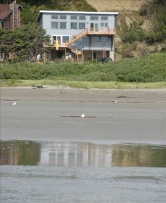 Location: Moclips, Olympic Peninsula & Pacific Coast, Washington State, USA (Near Ocean Shores and Olympic National Park)_Accommodations:  Townhome, 9 Bedrooms + Convertible bed(s), 6 Baths (Sleeps 12-32)