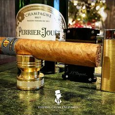 Have an amazing NYE!!! We wish you a Happy New Year 2016!!! Celebrate it with a bang and a good smoke! See you all in 2016 ... #cigars #cigarshop #cigarsociety #cigarsnob #cigarporn #habanos #cigarcollector #london #knightsbridge #cubancigars #cigarworld #instacigars #celebration #celebrate #newyear #newyear2016 #behike #cohiba #champagne #stdupont