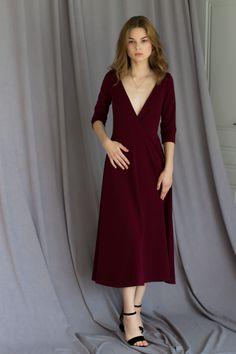 Платье винного цвета с глубоким вырезом в магазине «C O C O O N» на Ламбада- маркете bed8246858287