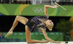 En este post hemos querido recopilar a las 3 gimnastas que nos han parecido más elegantes en cuanto a Maillots de Rítmica durante los Juegos Olímpicos.