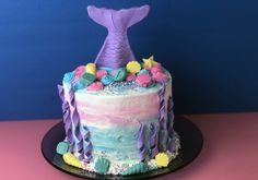 Make this adorable mermaid cake