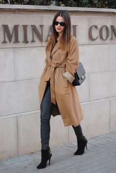 skinny jeans with robe coat and boots