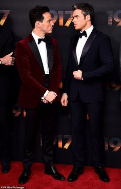 Andrew Scott puts on a suave display in a red velvet blazer and black suit trousers at 1917 premiere Molly Hooper Sherlock, Watson Sherlock, Sherlock John, Sherlock Quotes, Red Velvet Suit, Velvet Blazer, Andrew Scott, Elementary Sherlock, Sherlock Holmes Benedict Cumberbatch