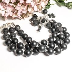 Diffuser bracelets in sterling silver, matte onyx, and hematite: a simple and sophisticated way to keep your favourite fragrances close each day! Gemstone Bracelets, Sterling Silver Bracelets, Gemstone Beads, Silver Anklets, Silver Beads, Aromatherapy Jewelry, Artisan Jewelry, Wire Jewelry, Fragrances