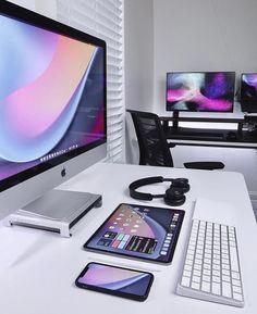 Imac Setup, Computer Desk Setup, Gaming Room Setup, Home Office Setup, Home Office Design, Cool New Gadgets, Video Game Rooms, Game Room Design, Apple Laptop