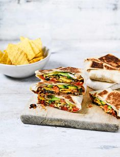 Crunch Wrap Recipe with Black Beans Want a quick and easy veggie lunch? Check out these super simple crunch wraps with black beans. These wraps serve four and are packed with plenty of flavour
