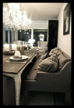 Could sit & visit forever with my friends & family at that table! :0>