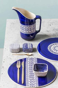 Vintage Girl: Ceramika Bolesławiec na 2016 rok Interior Accessories, Kitchen Accessories, Vintage Dior, Polish Pottery, Ceramic Painting, Kitchen Design, Sweet Home, Table Decorations, Tableware