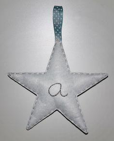 cocodrilova: estrellas para la habitacion de gonzalo #nombrebebe #habitacionbebe #nombre #bebe #handmade #estrellas