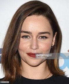 Emilia Clarke arrives at the TheWrap's Power Women Breakfast on October 28 2015 in Beverly Hills California Faux Bob, Green Hair Colors, Brown Bodies, Rare Pictures, Fashion Tv, Emilia Clarke, Breaking Bad, Powerful Women, Eye Color