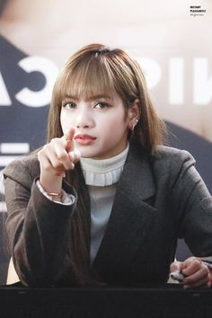 look at that face Jennie Blackpink, Blackpink Lisa, Yg Entertainment, South Korean Girls, Korean Girl Groups, Aries, Rapper, Blackpink Members, Lisa Blackpink Wallpaper