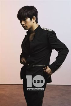 GO, Jung Byung Hee aka SpankByunhee. Mblaq lead singer.    Head of the Spank room @ The Mansion.