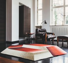 Design rug Logenze by Patricia Urquiola uses Soumak technique, a weaving technique, the carpet presents three-dimensional surface. Patricia Urquiola, Interior Decorating, Interior Design, Home Studio, Weaving Techniques, Color Shades, Three Dimensional, Things To Come, House Design