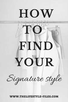 How to develop your personal style uniform minimalism/ fashion /style /uniform / capsule wardrobe / simplifying A style uniform is the epitome of chic and effortless personal style. 10 pro tips on how you can create your own signature style uniform. Look Here, Look At You, Look Fashion, Fashion Outfits, Fashion Trends, Minimal Fashion Style, Fashion Styles, Minimal Style, Budget Fashion