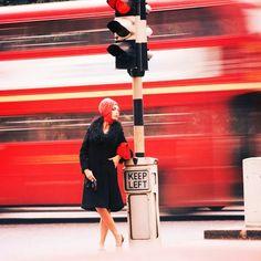 Traffic queen, 1960, Norman Parkinson - photographer