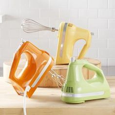 Hand mixers in fun colors! WHY CANT I FIND THESE IN STORES