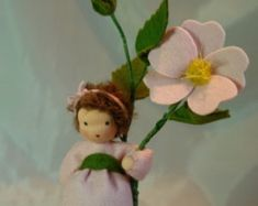Rote Rose Blumenkind Waldorf inspirierte von KatjasFlowerfairys