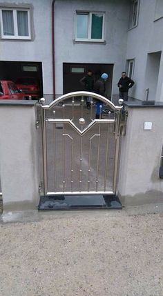 Gate Wall Design, Front Wall Design, Grill Gate Design, Window Grill Design Modern, Balcony Grill Design, Balcony Railing Design, Main Gate Design, Stainless Steel Fabrication, Stainless Steel Gate