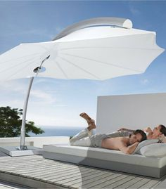 The Icarus modern shade umbrella perfectly adorns any contemporary setting with it's combination of distinctive design and 360 degree functionality! Deck With Pergola, Covered Pergola, Pergola Kits, Pergola Canopy, Pergola Shade, Beach Entry Pool, Shade Umbrellas, Outdoor Shade, Industrial Design Sketch