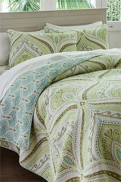 Green bedroom. love this bedding