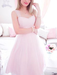 Spring Wardrobe Ready With These New Feminine Pieces the best staples for your girly spring wardrobe Girly Outfits, Cute Outfits, Doll Style, Pink Fashion, Fashion Outfits, Gq Fashion, Pink Dress, Dress Up, Style Lolita