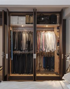 Peter Som's organized custom closet with interior lights