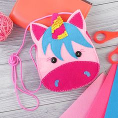 Baby Crafts, Felt Crafts, Felt Puppets, Animal Bag, Felt Patterns, Mickey Mouse And Friends, Fabric Bags, Felt Diy, Kids Bags