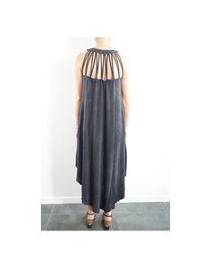Votre robe originale et unique, délavée à la roche volcanique.