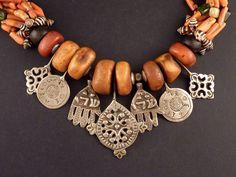 MAR59h-bereber-necklace.jpg (2560×1920)