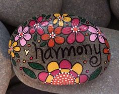 Happy Rock - believe - Hand-Painted Beach River Rock Stone - pink cranberry rose flowers Mosaic Rocks, Pebble Mosaic, Pebble Art, Rock Painting Ideas Easy, Rock Painting Designs, Paint Designs, Happy Rock, Mosaic Flower Pots, Mosaic Garden