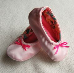 Ballerina Shoes ~ website give tutorial on how to make