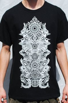 A great mens yoga t-shirt, perfect for relaxing, meditating or looking great wherever you go.Printed using eco friendly water based ink Designed and screen prin