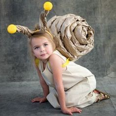 Snail Costume tutorial if i have a daughter this would be her Halloween costume Diy Halloween Costumes For Kids, Cute Costumes, Carnival Costumes, Baby Costumes, Costume Ideas, Funny Halloween, Easy Halloween, Simple Costumes, Diy Carnival