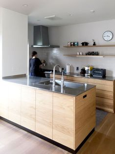 Kitchen Interior, Room Interior, Home Interior Design, Kitchen Design, Plywood Interior, Stainless Kitchen, Japanese Kitchen, Kitchen Collection, Wood Cabinets
